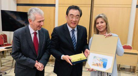 Η Ζέττα Μακρή επικεφαλής της ελληνικής κοινοβουλευτικής αντιπροσωπείας που υποδέχθηκε Κινέζους Βουλευτές