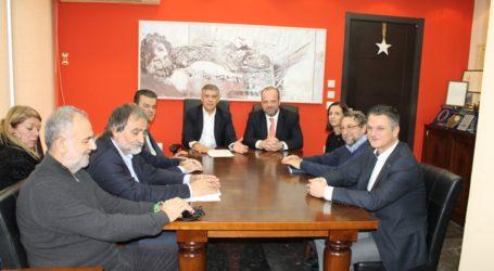 Τα 14 προγράμματα του ΟΑΕΔ που τρέχουν σήμερα στη Θεσσαλία στη συνάντηση Αγοραστού – Διοικητή