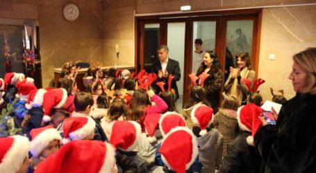 Ευχές και χριστουγεννιάτικα κάλαντα στον περιφερειάρχη Θεσσαλίας