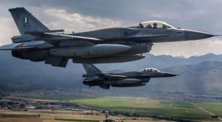 Ζεύγος μαχητικών αεροσκαφών F-16 από την 337 Μοίρα στη Λάρισα στη Βόρεια Μακεδονία