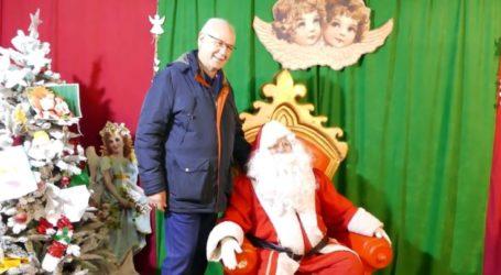 Όταν ο δήμαρχος Λαρισαίων συνάντησε τον… Άγιο Βασίλη – Δείτε το βίντεο από το Πάρκο των Ευχών