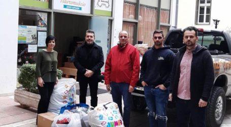Προσφορά τροφίμων από τη Λέσχη 4Χ4 xtreme Λάρισας στο Κοινωνικό Παντοπωλείο