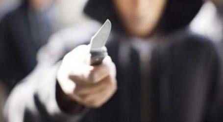 Τρόμος για υπάλληλο καταστήματος στη Λάρισα – Μπούκαραν με μαχαίρι και απέσπασαν με τη βία 2100 ευρώ