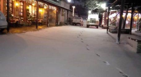 Στα λευκά τα ορεινά της Λάρισας: Το έστρωσε σε Σκλήθρο, Μελιβοία και Σπηλιά (φωτο)