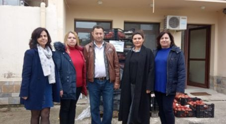 Διανομή τροφίμων κι άλλων προϊόντων έγινε στον δήμο Τεμπών