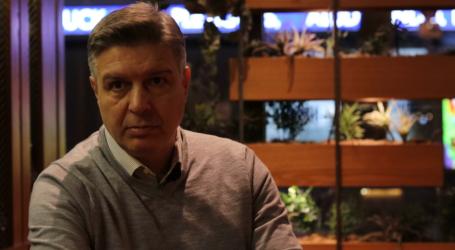 Ο Θωμάς Βαρακλιώτης από το Ντίσελντορφ στους «Βολιώτες του Κόσμου» – Δείτε το νέο επεισόδιο