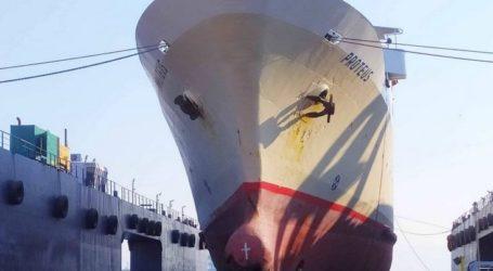 Εντυπωσιακές εικόνες από το «Πρωτεύς» στα ναυπηγεία Σπανόπουλου