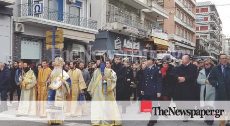 Καρέ – καρέ ο λαμπρός εορτασμός των Θεοφανείων στον Βόλο [εικόνες και βίντεο]