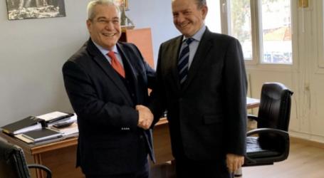 Ο Πρόεδρος του Ελληνικού Συνδέσμου Μεταφορών στο λιμάνι του Βόλου