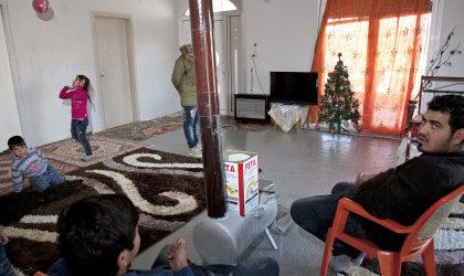 Χριστούγεννα σ' έναν καταυλισμό Ρομά στον Τύρναβο (φωτο)