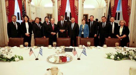 Συνάντηση Μητσοτάκη με Πελόζι και μέλη της Γερουσίας στο Κογκρέσο