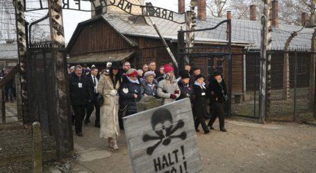 Οι επιζώντες του Άουσβιτς προειδοποιούν για νέο αντισημιτισμό