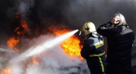Αυτοκίνητο που κατευθυνόταν προς Βόλο τυλίχθηκε στις φλόγες στα διόδια