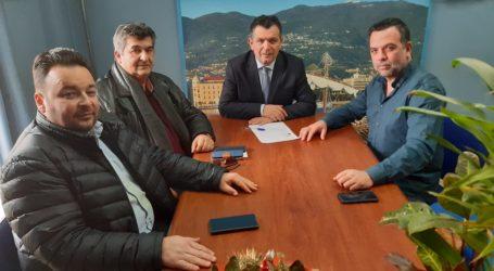 Συνάντηση του βουλευτή Μαγνησίας Ν.Δ. Χρήστου Μπουκώρουμε μέλη της ΟΕΒΕΜ