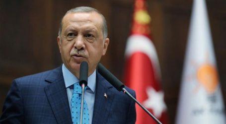 Ο Ερντογάν λέει ότι έως και 250.000 άνθρωποι εγκαταλείπουν την Ιντλίμπ κατευθυνόμενοι προς την Τουρκία