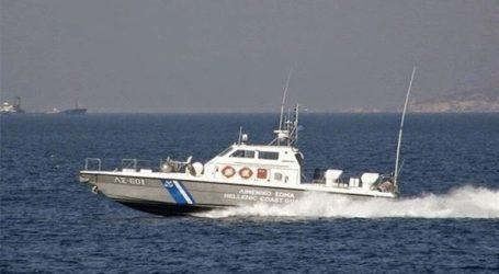 Ακυβέρνητο φορτηγό πλοίο με 14 επιβαίνοντες πλέει στα ανοιχτά της Ρόδου