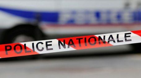 """Ένας άνδρας επιχείρησε να μαχαιρώσει πολλούς ανθρώπους αλλά """"εξουδετερώθηκε"""" από αστυνομικούς"""