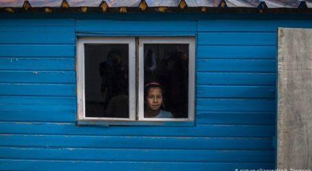 Προσφυγόπουλα από το Αιγαίο στο Πότσνταμ