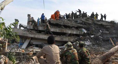 Δέκα νεκροί σε κατάρρευση κτιρίου, περισσότεροι έχουν παγιδευτεί στα ερείπια
