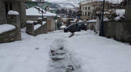 Ξεκίνησε η επέλαση του «Ηφαιστίωνα»: Χιονίζει στην Κοζάνη