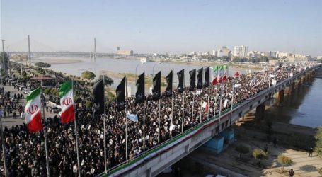 Ανθρωποθάλασσα αποχαιρετά τον Κασέμ Σουλεϊμανί