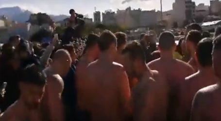Οι κολυμβητές έψαλαν τον Εθνικό ύμνο
