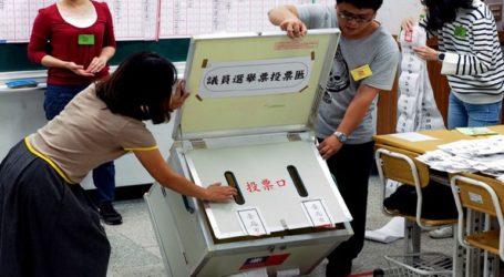 Άνοιξαν οι κάλπες στην Ταϊβάν για τις προεδρικές εκλογές