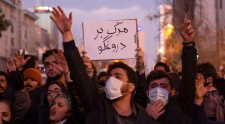 Διαδηλωτές βγήκαν και πάλι στους δρόμους διαμαρτυρόμενοι για την κατάρριψη του Boeing