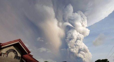 Ανεστάλησαν πτήσεις στο αεροδρόμιο της Μανίλας λόγω κινδύνου έκρηξης του ηφαιστείου Ταάλ