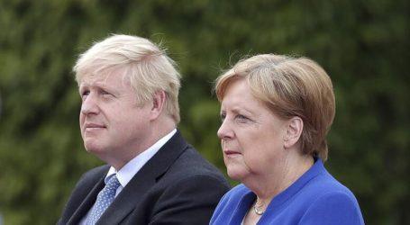 Τζόνσον και Μέρκελ καταδικάζουν τη σύλληψη του Βρετανού πρέσβη στην Τεχεράνη