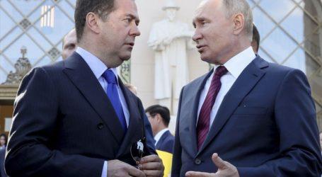 Παραιτήθηκε η κυβέρνηση στη Ρωσία