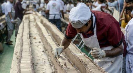 Έσπασαν το ρεκόρ Γκίνες με κέικ μήκους 6,5 χιλιομέτρων