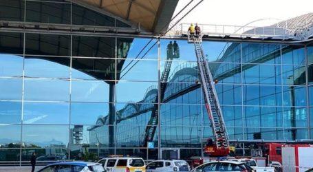 Κλειστό για δεύτερη ημέρα το αεροδρόμιο στο Αλικάντε λόγω πυρκαγιάς