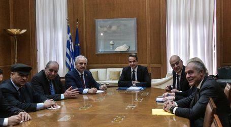Ολοκληρώθηκε η συνάντηση του πρωθυπουργού με τον στρατάρχη Χαφτάρ