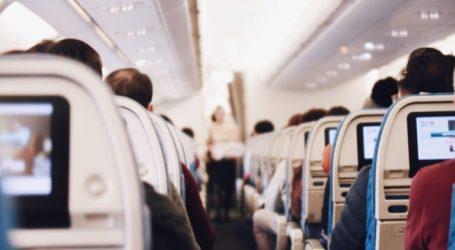 Χειροπέδες σε ελληνικής καταγωγής επιβάτη που κάπνιζε σε πτήση
