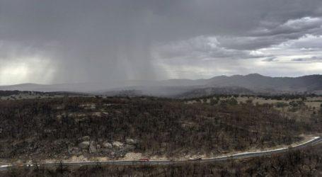 Οι καταιγίδες έσβησαν πυρκαγιές που μαίνονταν στην Αυστραλία