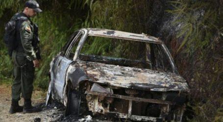 Δέκα απανθρακωμένα πτώματα βρέθηκαν μέσα σε πυρπολημένο αυτοκίνητο