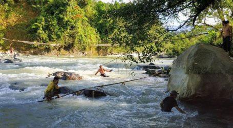 Τουλάχιστον εννιά νεκροί από κατάρρευση πεζογέφυρας στην Ινδονησία
