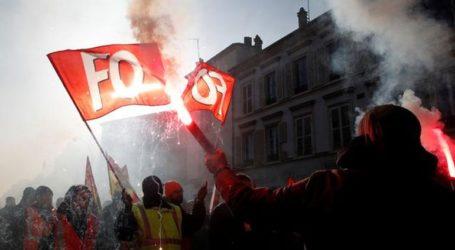 Νέες συγκρούσεις στη Γαλλία – Στο «στόχαστρο» ο Μακρόν