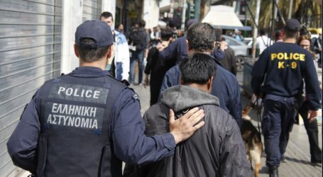 Χειροπέδες σε μέλη εγκληματικής οργάνωσης διακίνησης μεταναστών