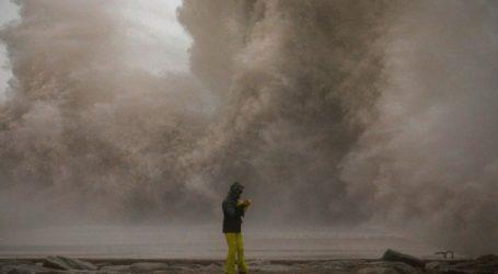 Βοήθεια στις τουριστικές περιοχές που έπληξε η καταιγίδα Γκλόρια