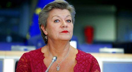 Η Γιόχανσον καλεί τις χώρες της Ε.Ε. σε «συμβιβασμό» για τον καταμερισμό των μεταναστών