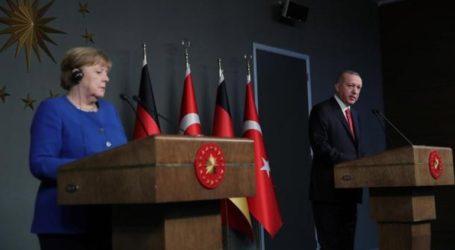 Μέρκελ-Ερντογάν: Πολλά προβλήματα, πολλά χαμόγελα