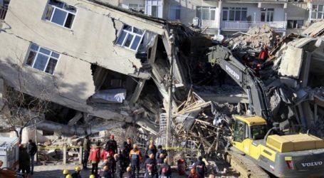 Τουρκία: Στους 38 οι νεκροί από τον σεισμό