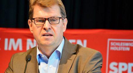 Το ηγετικό στέλεχος των Σοσιαλδημοκρατών Ραλφ Στέγκνερ αμφισβητεί ότι το AfD είναι δημοκρατικό κόμμα