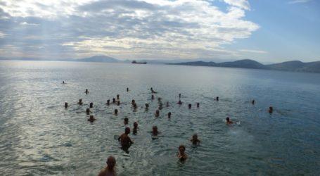 Βόλος: Πρωτοχρονιά με βουτιά στα παγωμένα νερά του Παγασητικού [εικόνες]