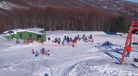 Πάνω από 2.000 επισκέπτες σήμερα στο Χιονοδρομικό κέντρο Πηλίου [εικόνες]