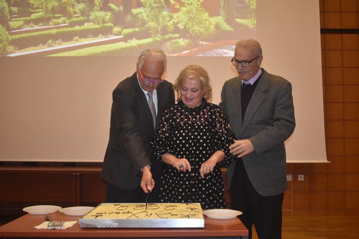 Έκοψε την πρωτοχρονιάτικη πίτα της η Πνευμονολογική Κλινική του Πανεπιστημίου Θεσσαλίας