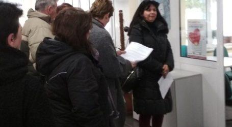 Επίσπευση των διαδικασιών καταβολής επιδόματος ανεργίας ζήτησαν από τον ΟΑΕΔ οι απολυμένες καθαρίστριες του Π.Θ.