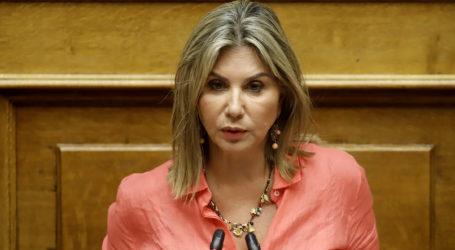 Ζέττα Μακρή στο TheNewspaper.gr: «Από τις συσκέψεις, με παρόντες τους τρεις, απουσιάζω γιατί…»